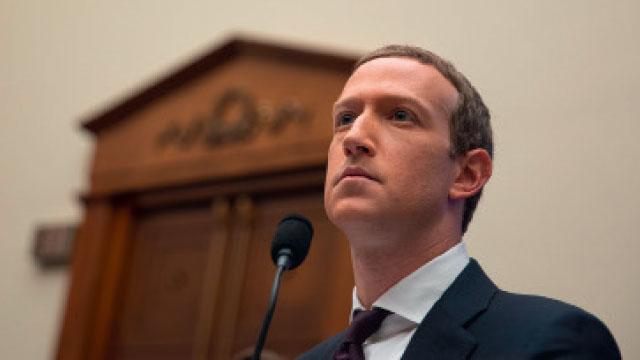 O Facebook no olho do furacão