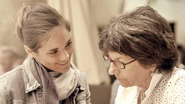 Relações sociais sábias da igreja com as viúvas